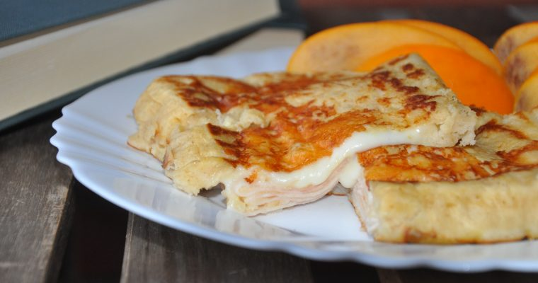 Napolitana fit rellena de pavo y queso